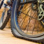 rueda pinchada de bici